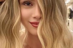 Capelli_Biondi_Pelle_Bianca_6