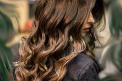 capelli scuri mossi