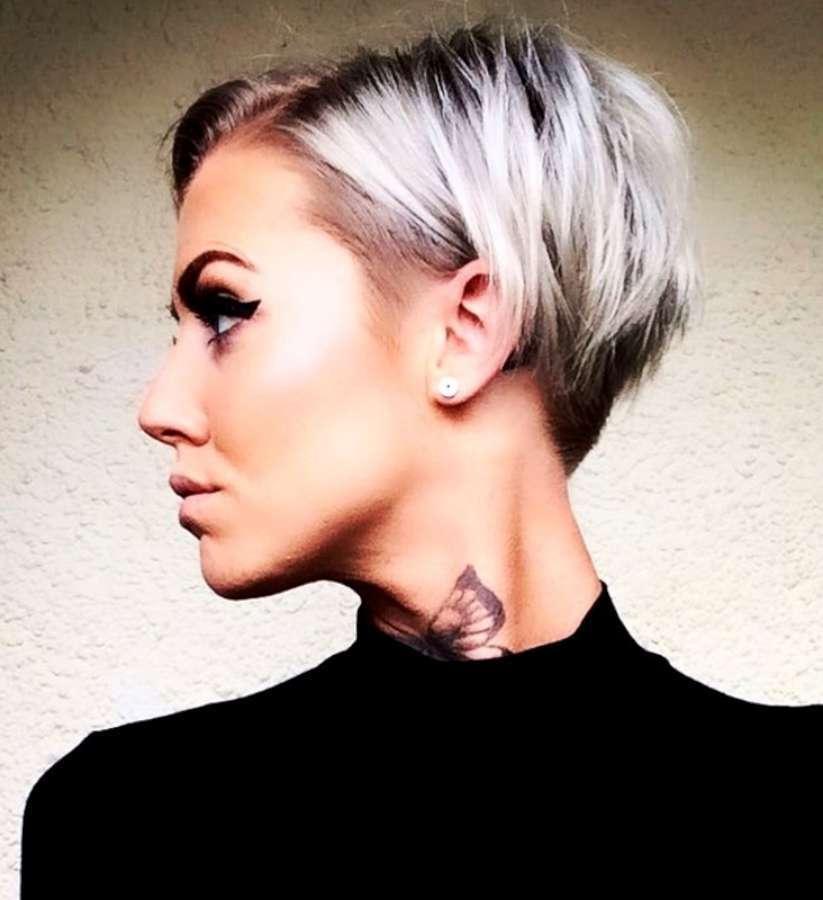 Foto tagli capelli corti donna