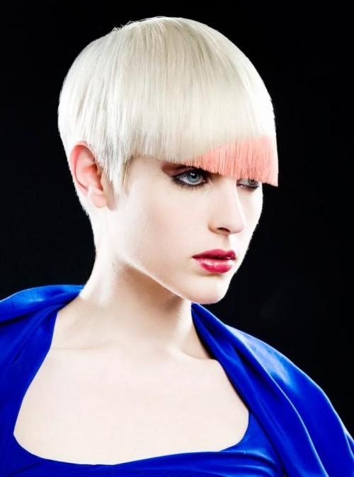 colore rosa capelli asimmetrici