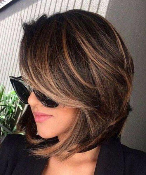 Tecnica Balayage: le sfumature per i capelli corti scuri.