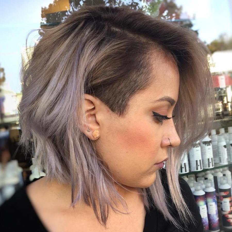 taglio donna con tempia rasata