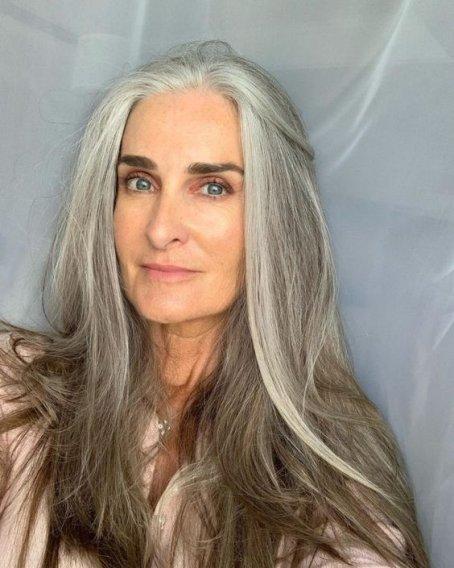 colore grigio capelli
