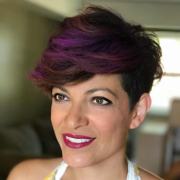 capelli con riflessi viola