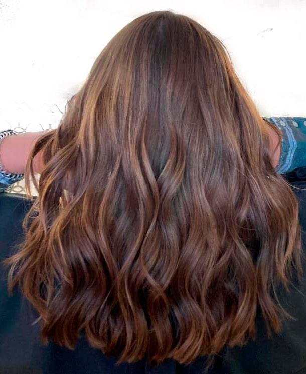 capelli castani 2021.