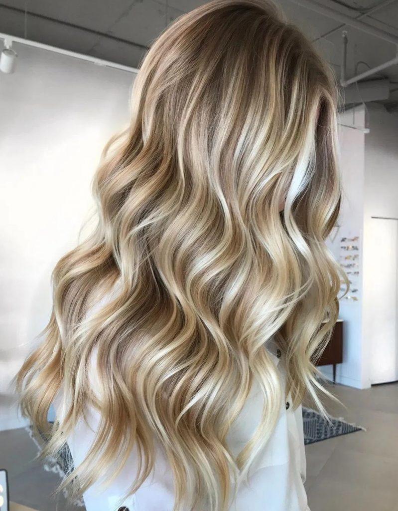 tendenze colori capelli biondi autunno 2021
